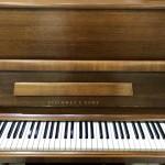 スタインウェイ アップライトピアノ V型 10月入荷予定