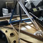 グランドピアノ 響板修理